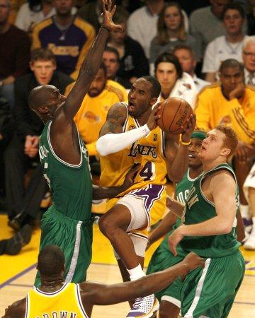 Garnett tops in NBA All-Star voting