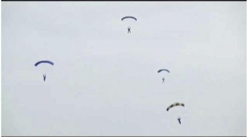 Skydiver collision kills two