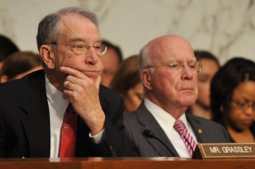 Consumers' online information needs better protection, Senate committee says