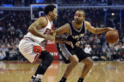 San Antonio Spurs go for 6th straight win vs. Toronto Raptors