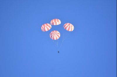 SpaceX successfully tests parachutes for Commercial Crew Program