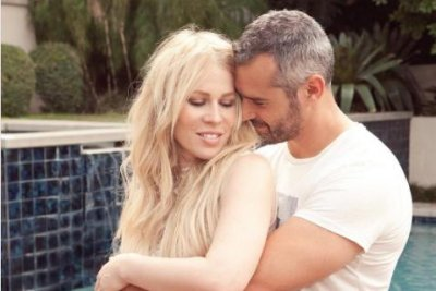 Natasha Bedingfield pregnant with first child