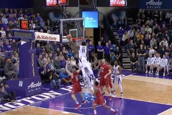 Washington-huskies-carter-jumps-over-teammate-for-big-time-dunk