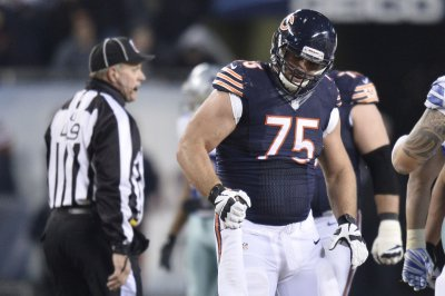 Chicago Bears OL Kyle Long agrees to revised contract