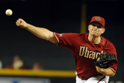 Washington Nationals to acquire relief pitchers Daniel Hudson, Roenis Elias