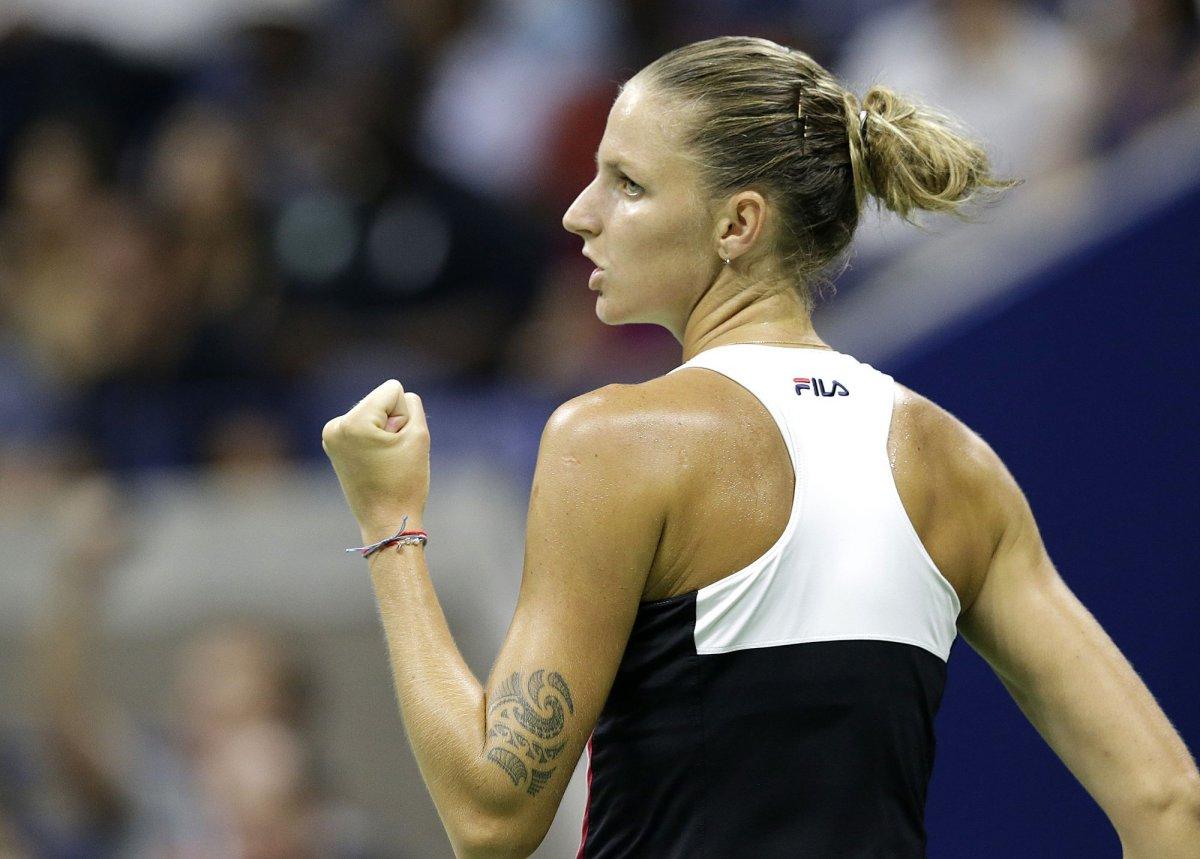 Pliskova se lleva en dos sets el título en Doha ante la danesa Wozniacki.