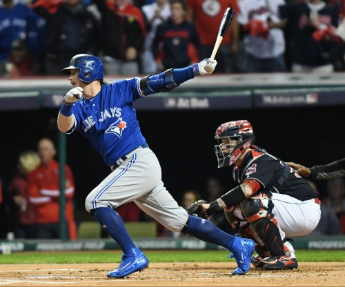 Toronto Blue Jays use offense to outlast Boston Red Sox
