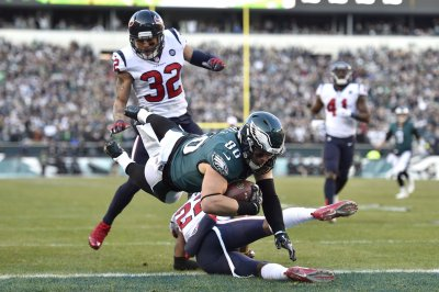 Houston Texans defense fails to hold up against Philadelphia Eagles