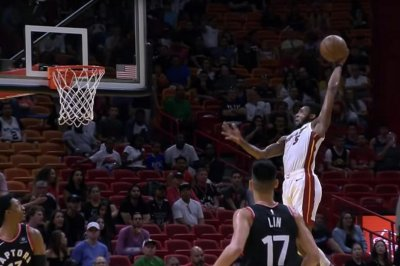 Heat's Derrick Jones Jr. takes flight for fierce dunk vs. Raptors