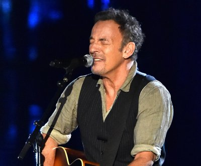 Dad's excuse note cites Springsteen for daughter's tardiness