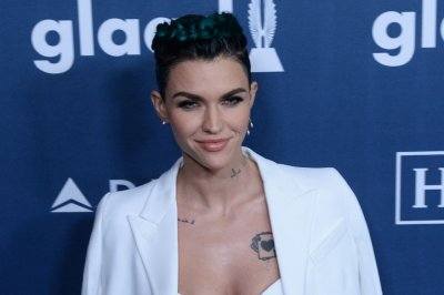 Ruby Rose says she talks to Taylor Swift about 'everything and everyone'