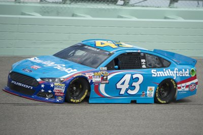 Aric Almirola out up to 12 weeks after suffering broken vertebra in crash