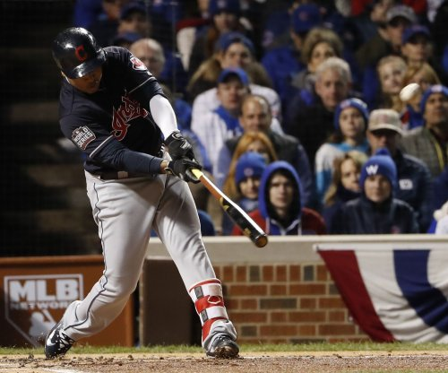 Cleveland Indians stay hot, pound Seattle Mariners