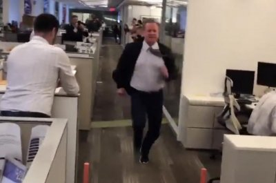 NFL commissioner Roger Goodell clocks 5.41 in 40-yard dash