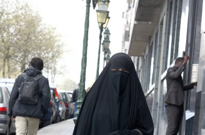 U.N.: French ban on full-body Islamic veils violated human rights