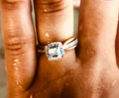 Man metal detecting on Texas beach finds couple's lost ring