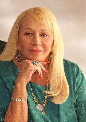 Sylvia Browne, renowned psychic, dies at 77