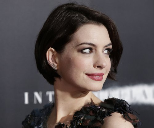 Anne Hathaway on hosting the Oscars: Do the opposite of what I did