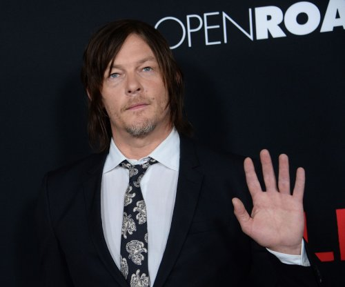 Norman Reedus shares selfies with Maisie Williams, Sophie Turner