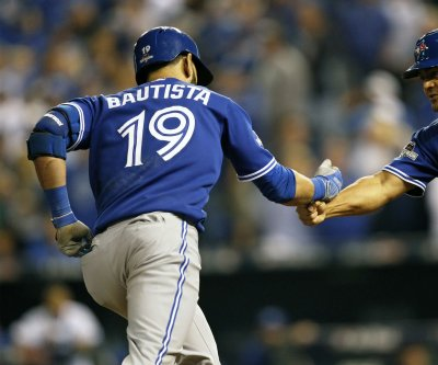Jose Bautista's homer helps Toronto Blue Jays blank New York Yankees