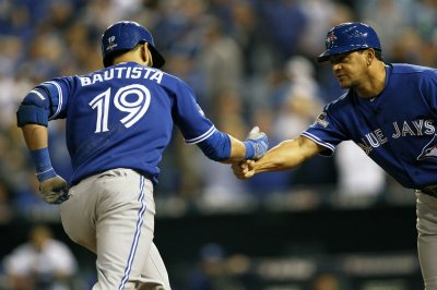 Jose Bautista's homer helps Toronto Blue Jays blank New York Yankees