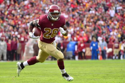 Redskins' Adrian Peterson aiming for 2,000-yard season at 34