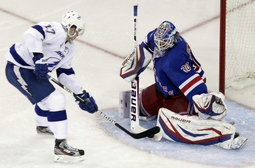 Rangers pick up St. Louis from Tampa Bay for Callahan