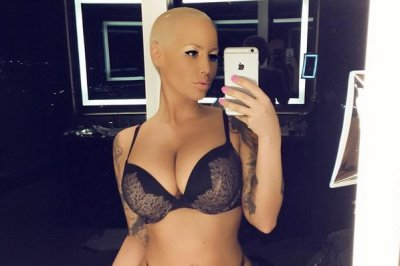 Amber Rose dedicates lingerie photo to critics