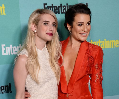 Emma Roberts, Lea Michele buddy up at Comic-Con