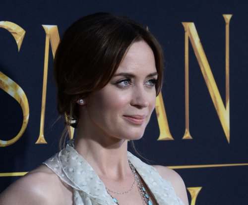 Emily Blunt unveils preview of 'The Girl on the Train'