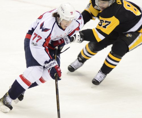 Washington Capitals sign T.J. Oshie to eight-year contract