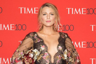 'Gossip Girl': Blake Lively, Leighton Meester open to reunion