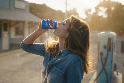 Cindy Crawford, son Presley film Pepsi ad for Super Bowl
