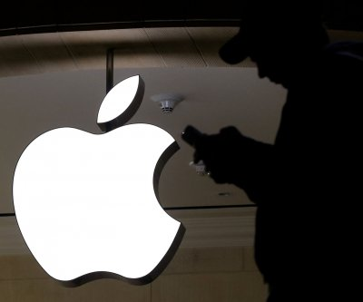 N.Y. regulators reviewing sexism claims involving bank, Apple Card