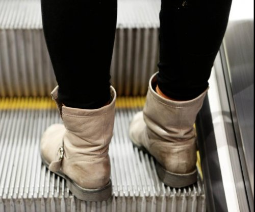 Japanese prefecture bans walking while on the escalator