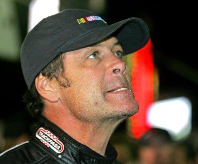 Waltrip win kicks off Daytona weekend