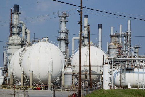 Refining sector strong in March, API said