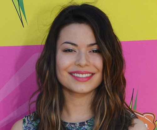 Miranda Cosgrove to return to TV on 'Crowded'