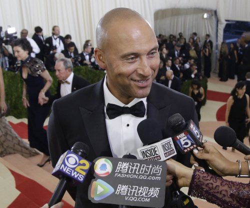 Derek Jeter game tickets 340 percent more pricey than Bernie Williams' jersey retirement