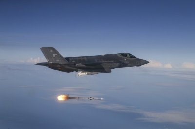 Australia approved for $240.5M AMRAAM purchase