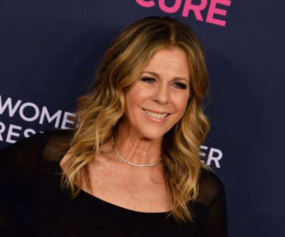 Rita Wilson to host Kenny Rogers benefit for MusiCares