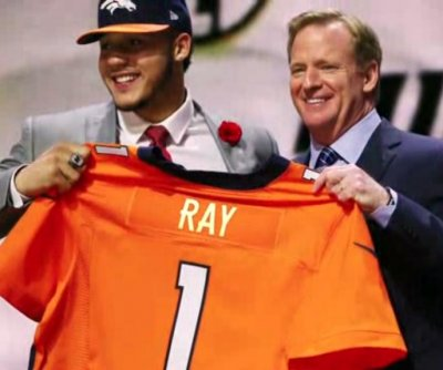 Denver Broncos sign first-round pick Ray