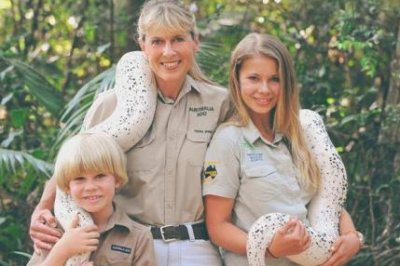 Bindi Irwin talks about her estranged grandfather