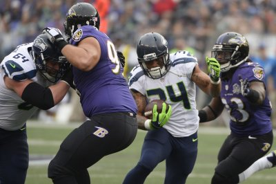 Seattle Seahawks continue playoff push with retread backfield