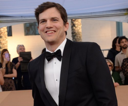 Ashton Kutcher speaks out against travel ban at SAG Awards
