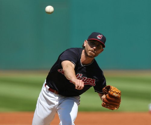 Cleveland Indians' Josh Tomlin, six relievers shut down Chicago White Sox