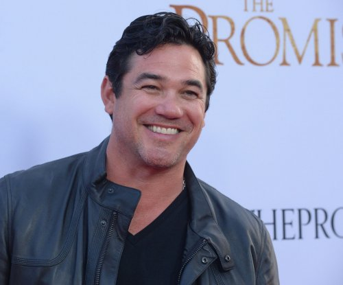 Kathie Lee Gifford and Dean Cain to host the National Christmas Tree Lighting