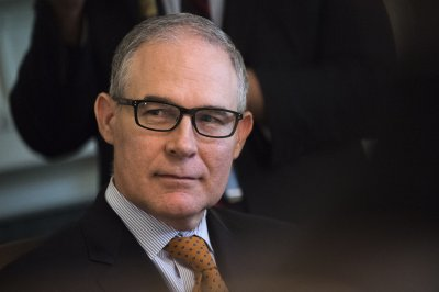 Watchdog: Former EPA chief Pruitt had $124K in excessive airfare expenses