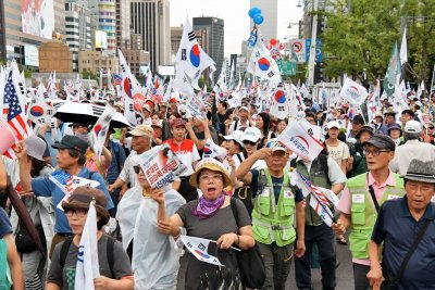 South Korea's Moon Jae-in raises concerns over divisive protests