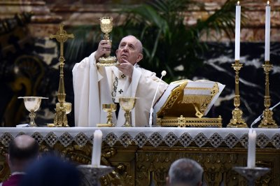 Vatican: Pope Francis alert and 'doing well' following colon surgery